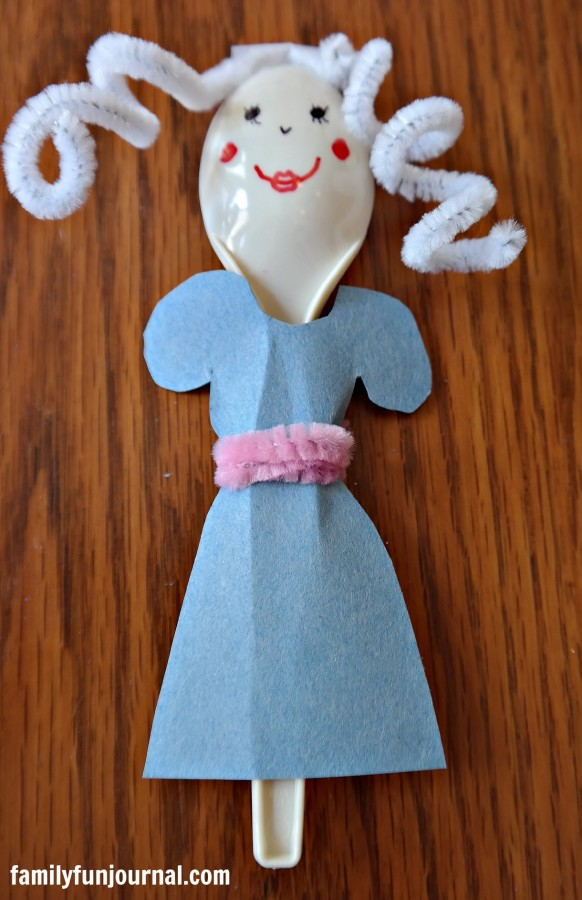 Plastic Spoon Puppets Family Fun Journal