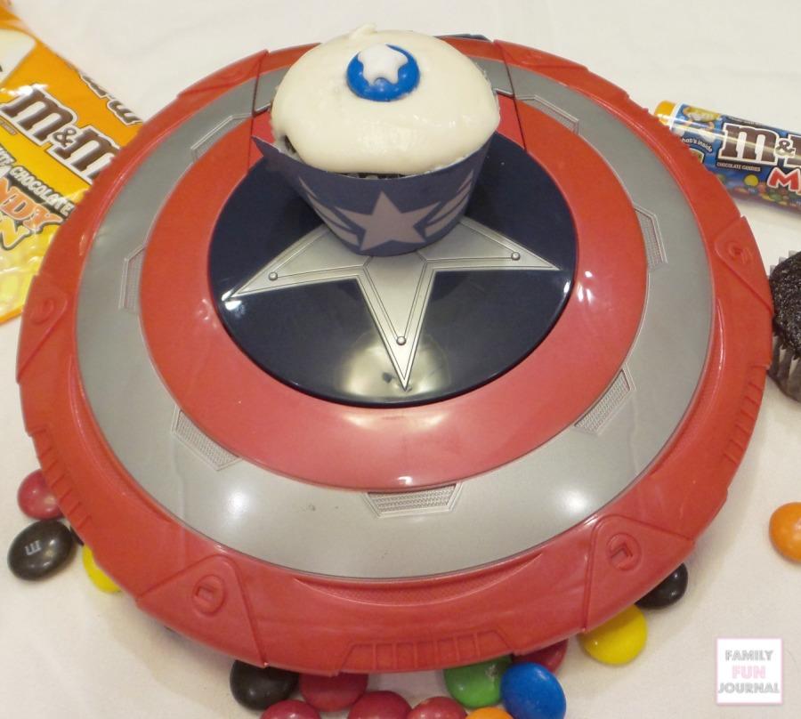 captain america cupcake step 3