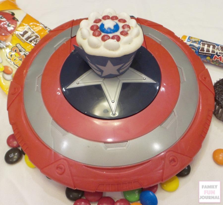 captain america cupcake step 5
