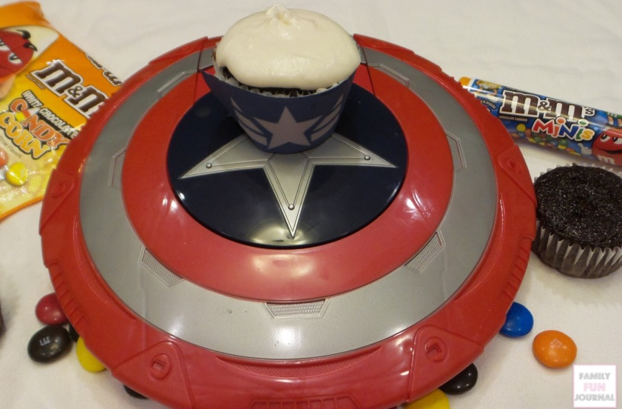 captain america cupcake step one