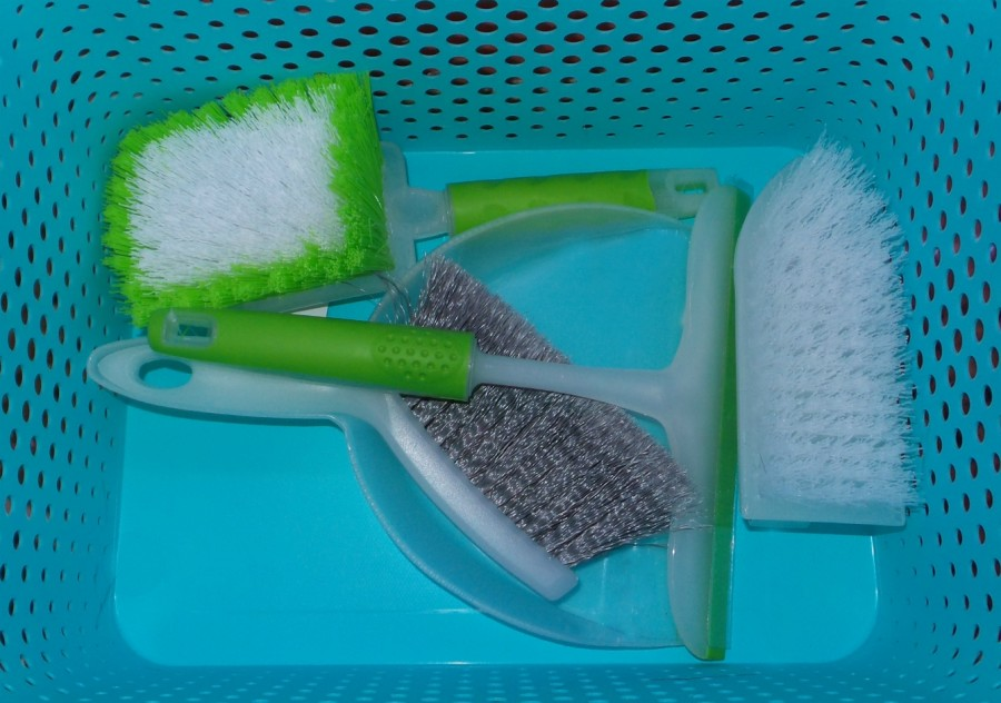 quick cleaning kit inside