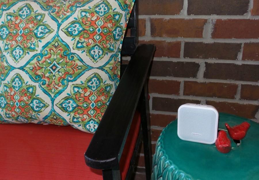 insignia bluetooth plug and play speaker