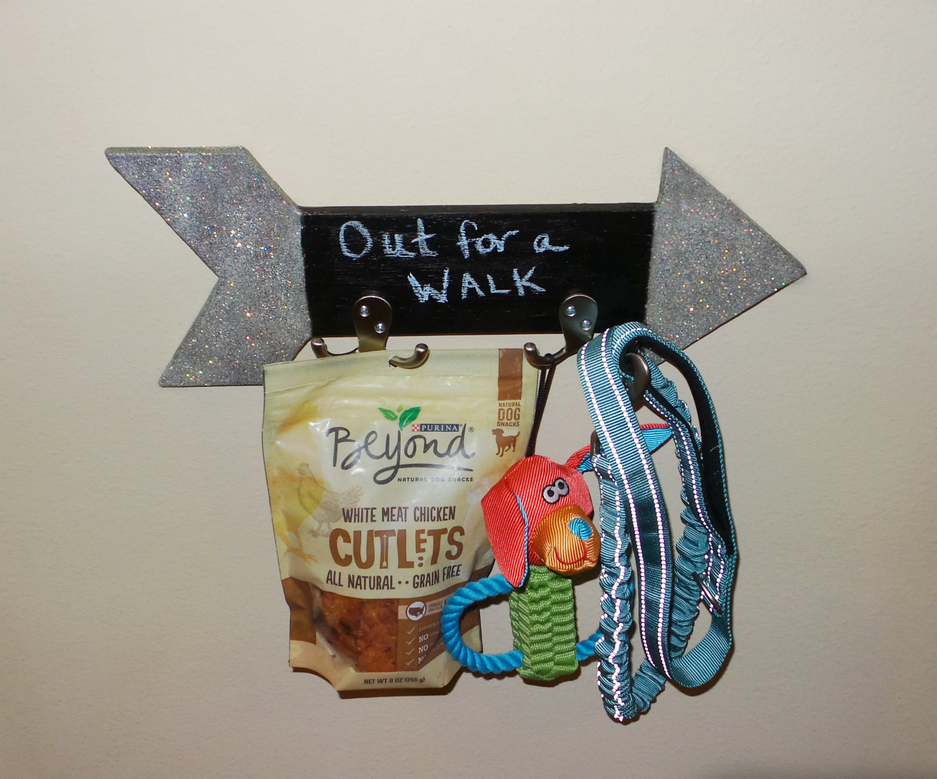 diy chalkboard dog leash holder finished